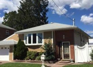 Casa en ejecución hipotecaria in Uniondale, NY, 11553,  MIDLAND ST ID: 6294287