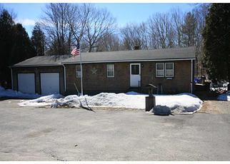 Casa en ejecución hipotecaria in Pascoag, RI, 02859,  BUCK HILL RD ID: 6297827