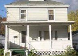 Casa en ejecución hipotecaria in Springfield, VT, 05156,  DEWEY ST ID: 6299977
