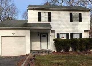 Casa en ejecución hipotecaria in Central Islip, NY, 11722,  PEACH ST ID: 6303309
