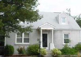 Casa en ejecución hipotecaria in North Brunswick, NJ, 08902,  CEDAR AVE ID: 6304631