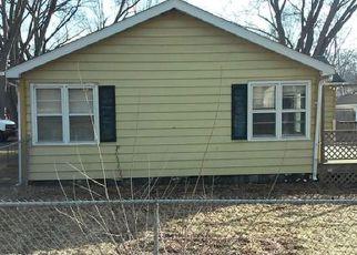 Casa en ejecución hipotecaria in Mchenry, IL, 60050,  PARKWAY AVE ID: 6307348