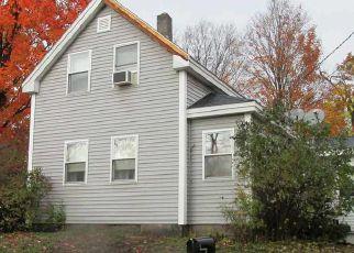 Casa en ejecución hipotecaria in Farmington, NH, 03835,  MOONEY ST ID: 6307503