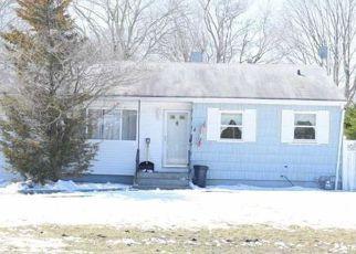 Casa en ejecución hipotecaria in Brentwood, NY, 11717,  COMMACK RD ID: 6308765
