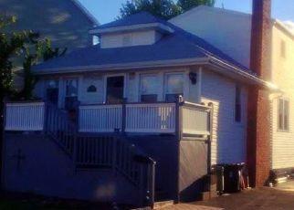 Casa en ejecución hipotecaria in Island Park, NY, 11558,  OSTEND RD ID: 6310980
