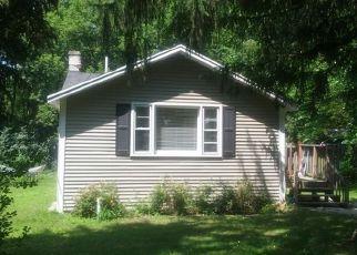 Casa en ejecución hipotecaria in Crystal Lake, IL, 60014,  CHICAGO AVE ID: 6312874