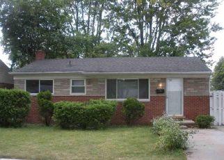 Casa en ejecución hipotecaria in Clinton Township, MI, 48035,  BEACONSFIELD ST ID: 6314348