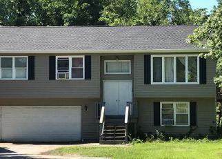 Casa en ejecución hipotecaria in Cranston, RI, 02920,  HIGHLAND ST ID: 6314567