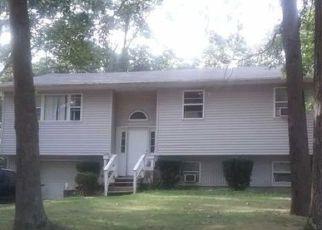 Casa en ejecución hipotecaria in Riverhead, NY, 11901,  ELLEN ST ID: 6315342