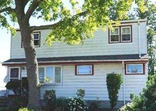 Casa en ejecución hipotecaria in Freeport, NY, 11520,  HUBBARD AVE ID: 6317046