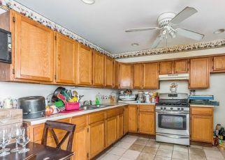 Casa en ejecución hipotecaria in Chicago, IL, 60617,  S MARQUETTE AVE ID: 6318564