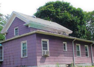 Casa en ejecución hipotecaria in Meriden, CT, 06451,  MEADOW ST ID: 6319512