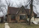 Foreclosed Home en W CUSTER AVE, Milwaukee, WI - 53218