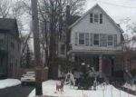 Foreclosed Home en BROADWAY, Freehold, NJ - 07728