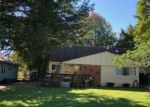 Foreclosed Home in VAN SYCKLE AVE, Waterford, MI - 48329