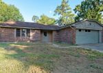 Foreclosed Home in GOOD DALE LN, Spring, TX - 77373