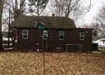 Foreclosed Home en E WILLOW DR, Round Lake, IL - 60073