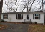 Foreclosed Home in CIRCLE DR, Stratford, CT - 06614