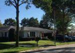 Foreclosed Home en W WANDA AVE, Milwaukee, WI - 53221