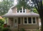 Foreclosed Home en E FORD AVE, Barberton, OH - 44203