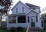 Foreclosed Home en N MARQUETTE ST, Davenport, IA - 52802