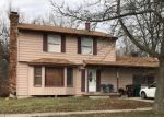 Foreclosed Home en VIOLA DR, Lansing, MI - 48911