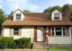 Foreclosed Home en COLLINS RD, Bristol, CT - 06010