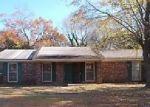 Foreclosed Home en E TANNEHILL DR, Florence, AL - 35630
