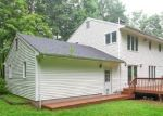 Foreclosed Home en ROLLING RIDGE CT, Prospect, CT - 06712