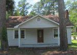 Foreclosed Home en S THOMPSON ST, Whiteville, NC - 28472