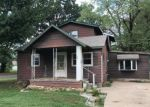 Foreclosed Home en W SCOTT ST, Springfield, MO - 65802