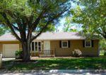 Foreclosed Home en N TAYLOR ST, El Dorado, KS - 67042