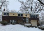 Foreclosed Home en OLIVIA AVE, Sauk Village, IL - 60411