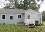 Foreclosed Home en OLD OAKLAND RD, Henrico, VA - 23231