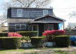 Foreclosed Home en TRAFALGAR DR, Shirley, NY - 11967