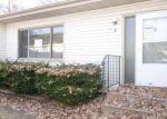 Foreclosed Home en S OBERLIN CIR, Minneapolis, MN - 55432