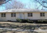 Foreclosed Home en Manchester Ave, Kansas City, MO - 64134