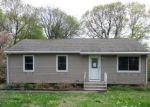Foreclosed Home en MARY DR, Naugatuck, CT - 06770