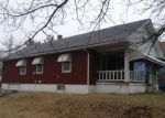 Foreclosed Home en N SPRING ST, Independence, MO - 64050