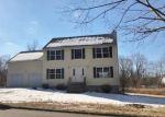 Foreclosed Home en WINTERGREEN AVE, Hamden, CT - 06514