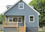 Foreclosed Home en LOUELLA DR, Waterford, MI - 48329