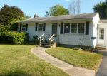 Foreclosed Home en DAWN LN, Coventry, RI - 02816