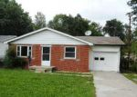 Foreclosed Home en E 12TH ST, Indianapolis, IN - 46219