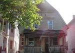 Foreclosed Home en N 28TH ST, Milwaukee, WI - 53210
