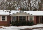 Foreclosed Home en TOWN AND COUNTRY ST, Mountain View, AR - 72560