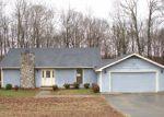 Foreclosed Home en BARWOOD DR, Greenbrier, TN - 37073