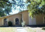 Foreclosed Home en TIMBERDALE ST, Grand Prairie, TX - 75052