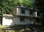 Foreclosed Home en GREENBRIAR DR, East Stroudsburg, PA - 18301