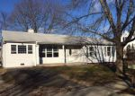 Foreclosed Home en SMITH ST, Central Islip, NY - 11722
