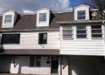 Foreclosed Home en FALLBROOK ST, Carbondale, PA - 18407